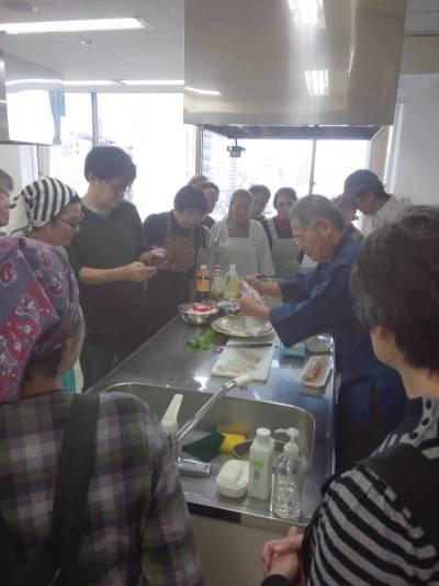 11/24(月)婦人部にて料理教室を行いました。